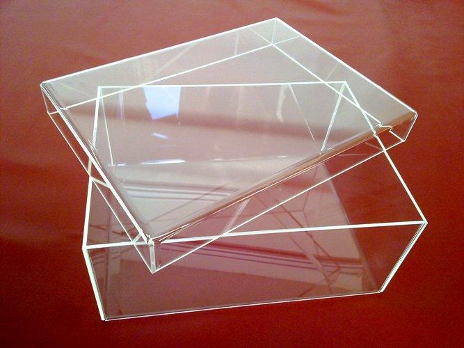 Newgardensas scatola in plexiglass polistirolo e cemento - Finestre in plexiglass ...